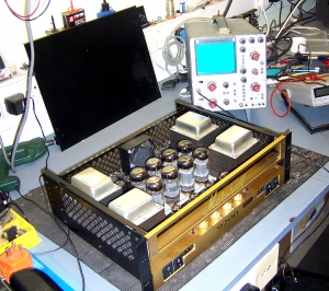 amplifier servicing: Marshall 9200 power amp during service
