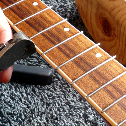 Cutting fret ends: