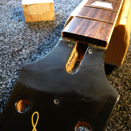Epiphone Les Paul headstock break: