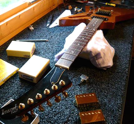 gibson explorer pickup swap guitarlodge guitarlodge. Black Bedroom Furniture Sets. Home Design Ideas